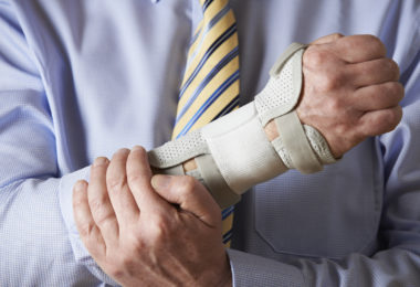 Is There an Advantage to Settling an Accident Claim Out of Court?